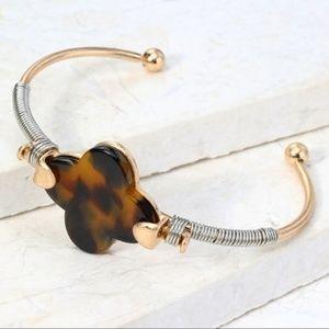 Tortoise Clover Bracelet